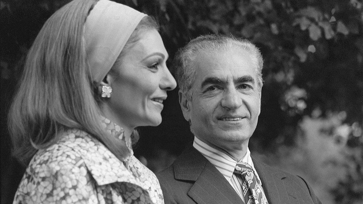 Sua Maestà Imperiale, Re dei Re, Imperatore, Luce degli Ariani, Capo dei Guerrieri Pahlavi…l'ultimo lo Scià di Persia
